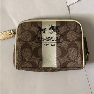 Coach zipper Pouch!